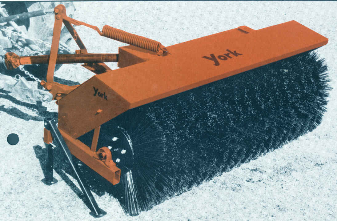 YB32 York 3 Point Hitch Mount Sweeper