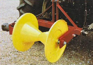 Three Point Hitch Mounted, Hydraulic Powered Solid Roll Wire Winder