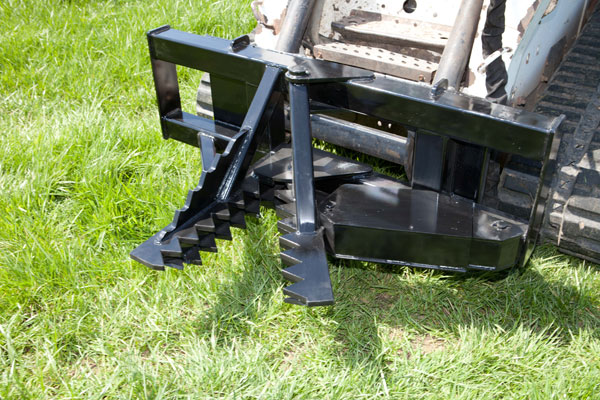 Model 525000 Contractor Model Skid Steer Mount Tree And Post Puller With 14 Inch Jaw Opening